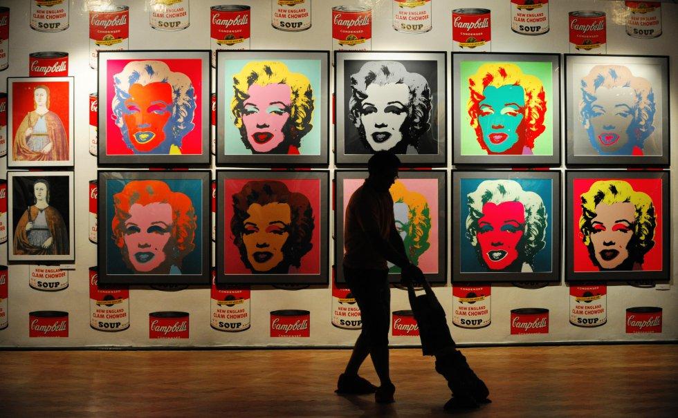 """Es considerado como uno de los mayores exponentes del """"Pop Art"""", una corriente artística que usaba imágenes de la cultura popular tomadas de los medios, como forma de oposición a la cultura elitista que existía en las Bellas Artes."""