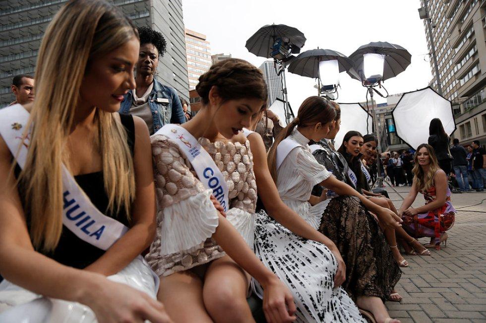 Candidatas del Reinado Nacional hacen de Bogotá su pasarela.
