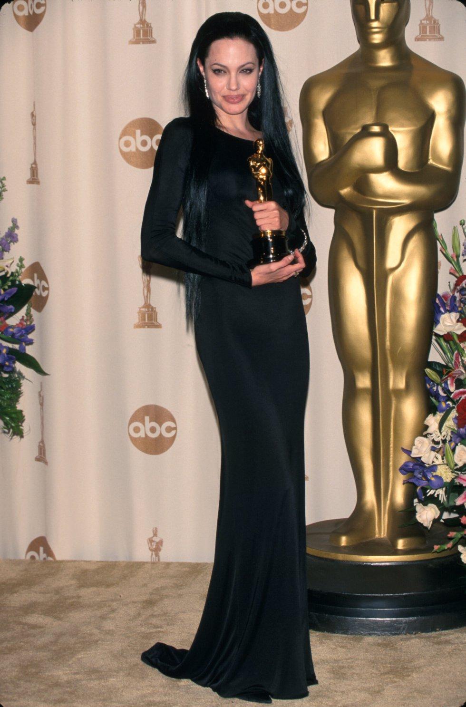 Angelina Jolie se llevó la estatuilla como mejor actriz de reparto en el 2000.