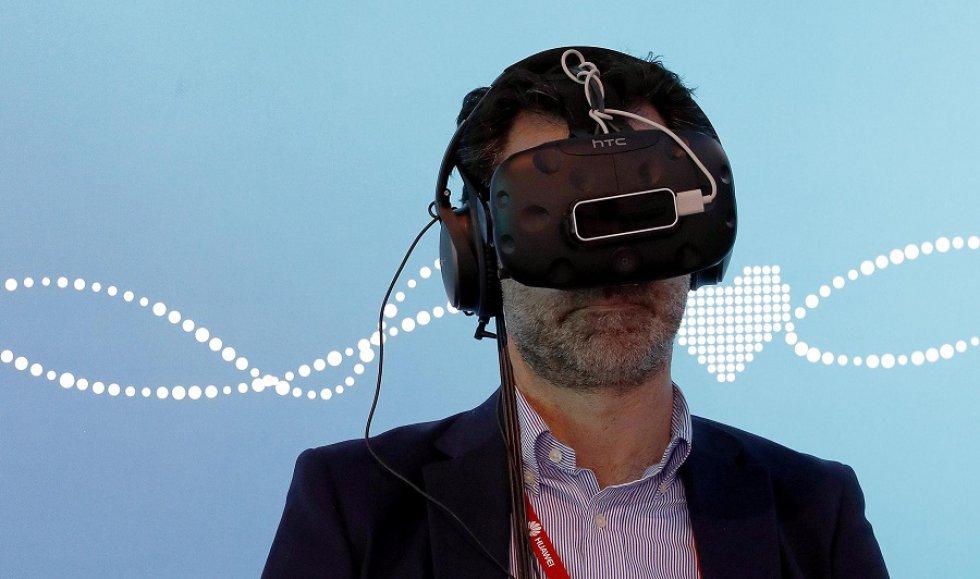 Otras empresas como Telefónica apuntan a la realidad virtual con estas gafas desarrolladas para el aprendizaje aplicado.