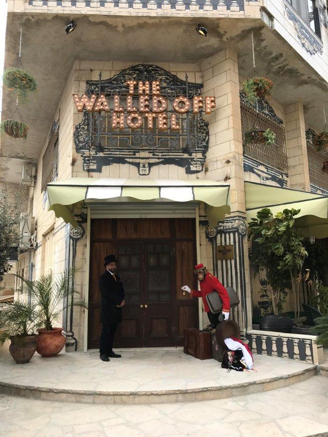 Fachada del Walled Off Hotel (Hotel amurallado)