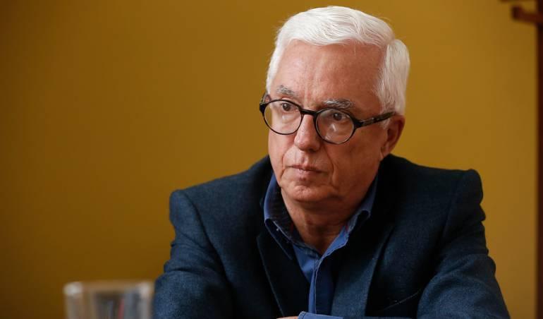 """Jorge Robledo: """"Hay una manguala de Cambio radical para tapar el caso  Odebrecht"""": Robledo   Política   Caracol Radio"""