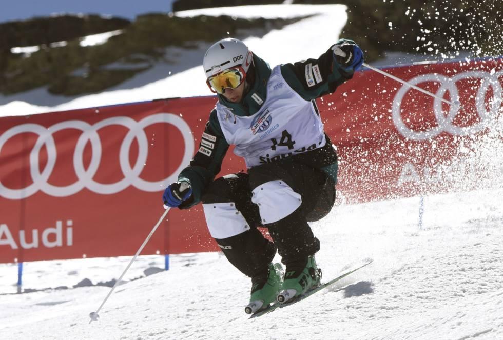 Quitando los baches; y el eslalon y el gigante de 'snow', las otras modalidades que integran las finales son muy similares, aunque en un caso se disputan con esquís y en el otro con tabla.
