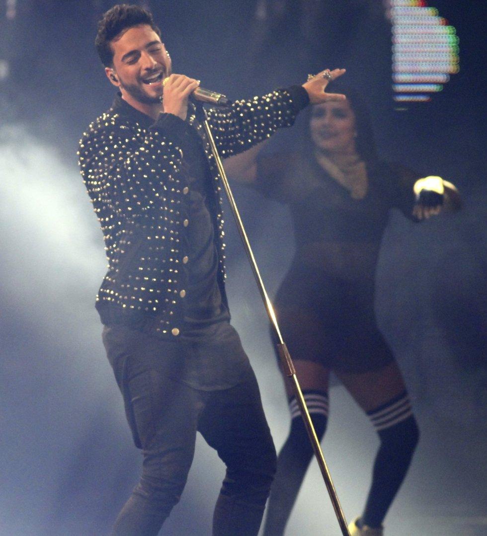 Manuela Álvarez fue la afortunada en que el país le pidiera que subiera a la tarima para dedicarle una canción.