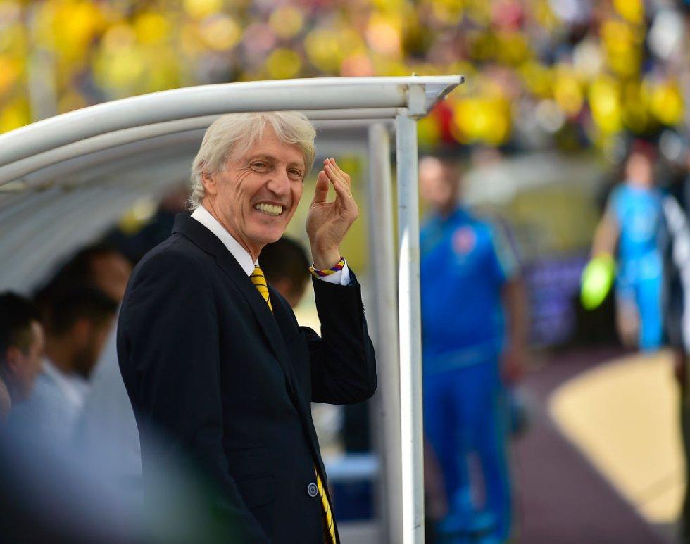 José Pékerman se mostró sonriente durante el encuentro.