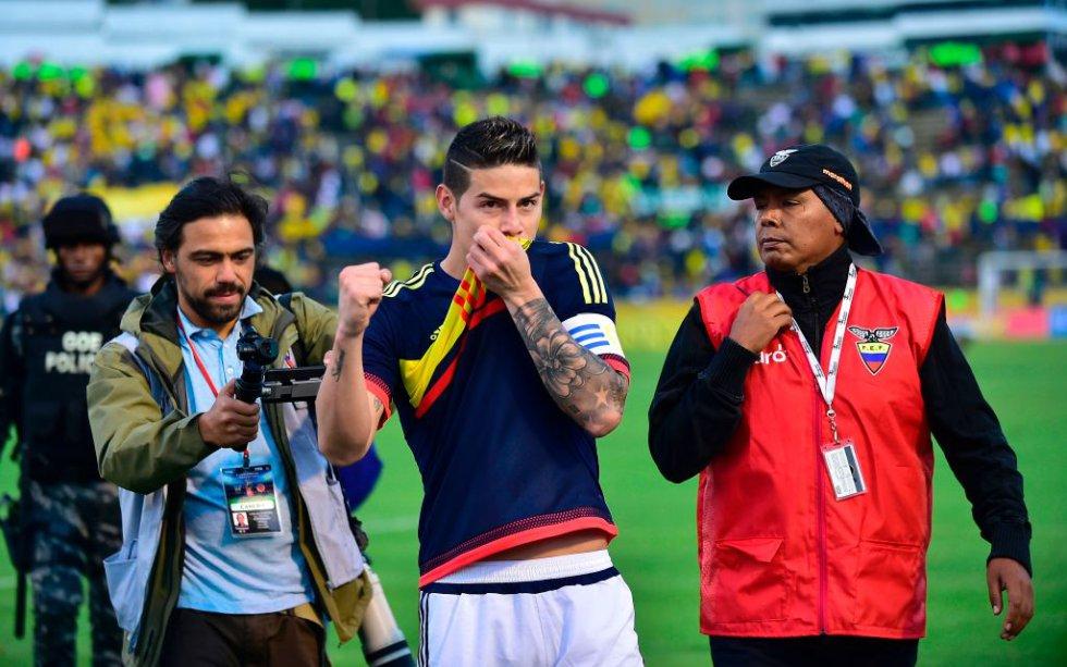 James Rodríguez celebra la victoria al final del compromiso.