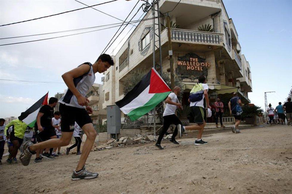Este evento también atrae muchos turistas, a los que se espera darles una nueva visión de Palestina.