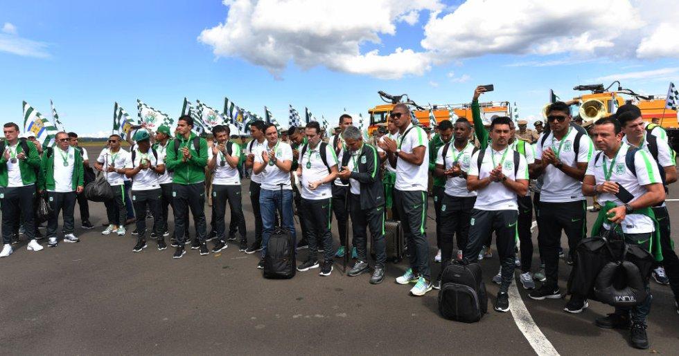 La delegación de Nacional agradece el recibimiento en Chapecó.