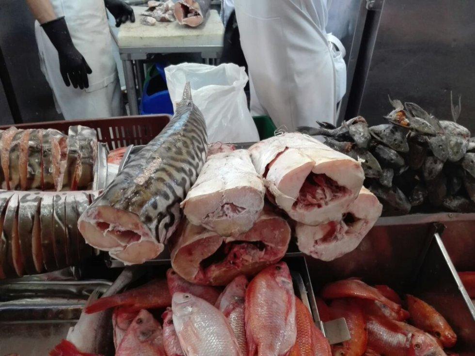 Cada vez los colombianos consumen más pescado. Inicialmente se consumía de 1.7 kilos por persona cada año y actualmente, se consumen más de 6 kilos.