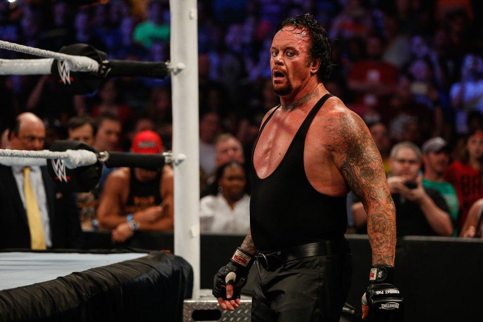 Tiene la racha de 21 victorias consecutivas, siendo una de las figuras más imporatnes de las WWE(World Wrestling Entertainment).
