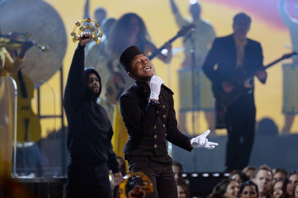 Pharrell Lanscilo Williams nació el 5 de abril de 1973 en Virginia Beach, Estados Unidos. Es un cantante y compositor estadounidense.