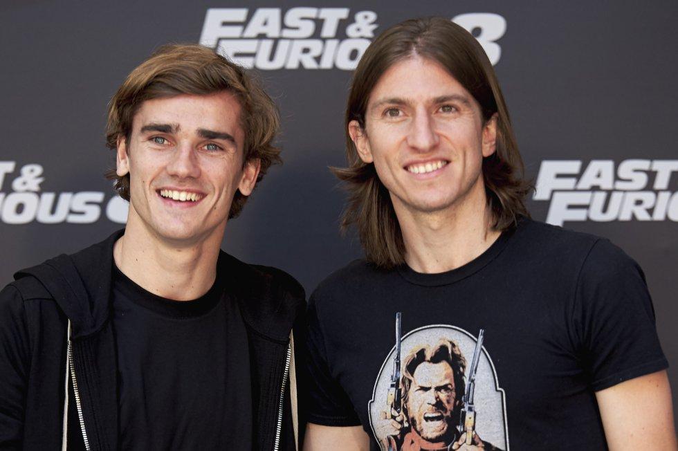 """Los jugadores del Atlético de Madrid Antoine Griezmann y Filipe Luis estuvieron presentes en una función especial de """"The Fate of the Furious"""" en la capital española."""