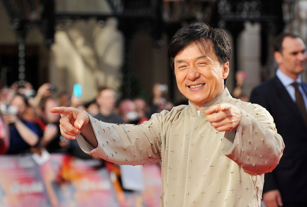 "Chan Kwong San, más conocido como ""Jackie Chan"", nació el 7 de abril de 1954 en Hong Kong. Hijo de refugiados de la guerra civil china."