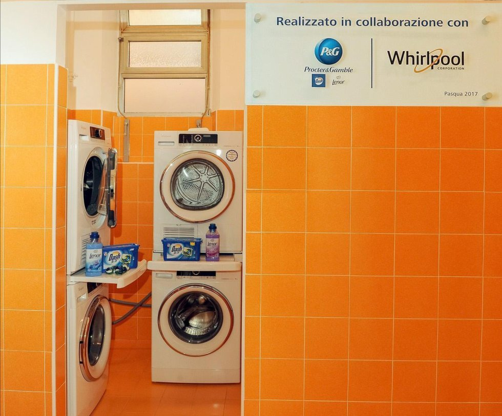 Hasta ahora, el lugar cuenta con seis lavadoras, seis secadoras y varias planchas. Los productos para el lavado también serán distribuidos gratuitamente.