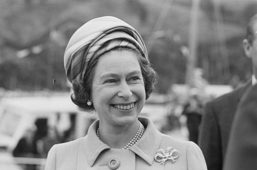 Es la sexta mujer en ascender al trono británico. Además de la monarca que más tiempo ha reinado(Desde el 6 de febrero de 1952).
