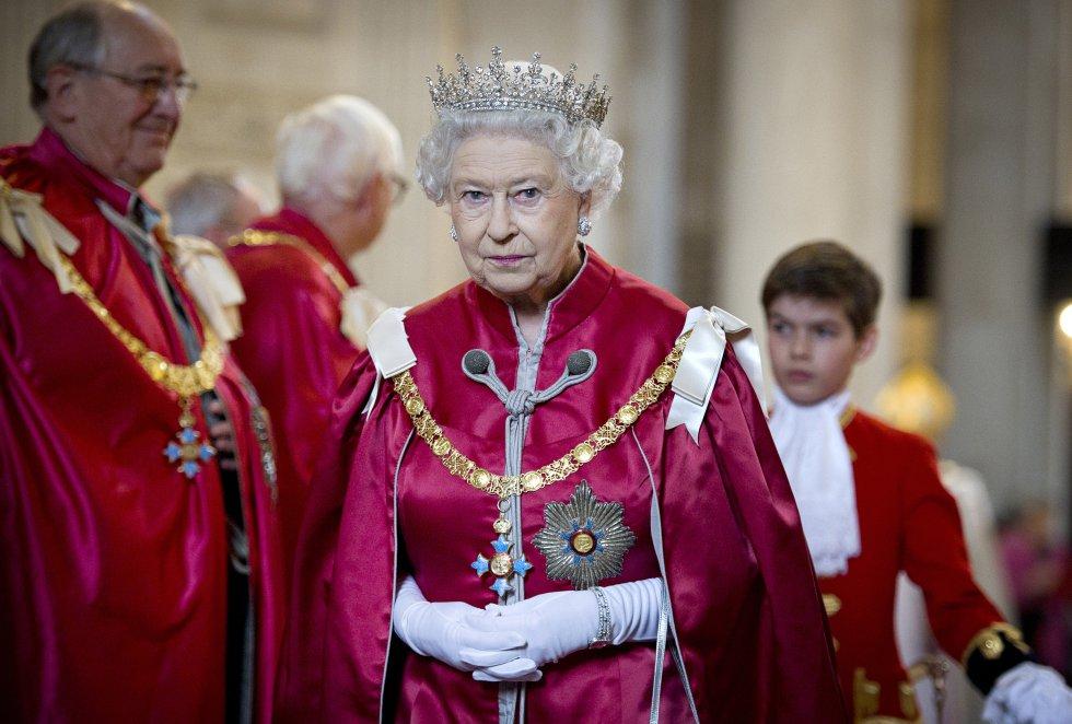 Tuvo 4 hijos con su esposo Felipe de Edimburgo: Eduardo(conde de Wessex), Andrés(duque de York), Ana(princesa real) y Carlos(príncipe de Gales).