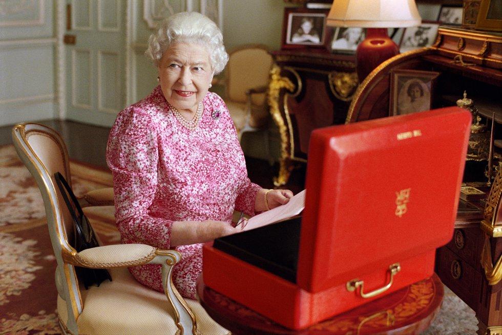 Se estima que la fortuna de la monarca asciende a los 11.700 millones de euros.