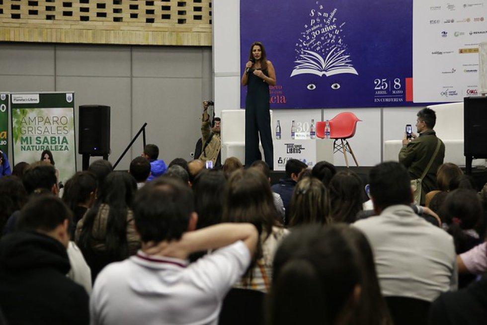 """Amparo Grisales fue una de las más esperadas en el evento, pues estuvo promocionando su libro """"Mi sabia belleza""""."""