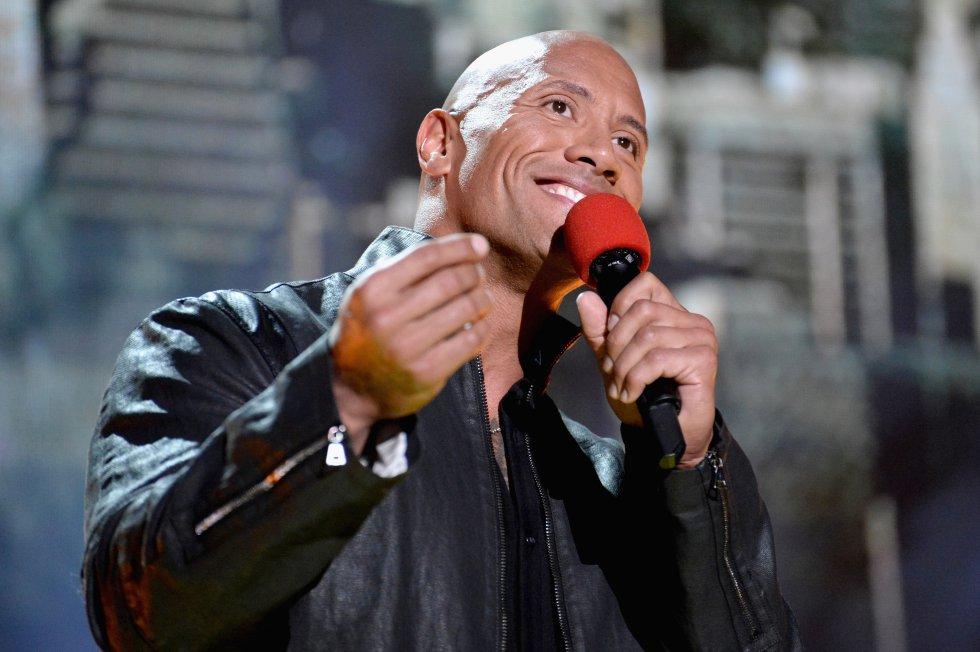 """Antes de apodarse como """"The Rock"""", se hacía llamar """"Rocky Maivia"""" en honor a su padre y su abuelo."""