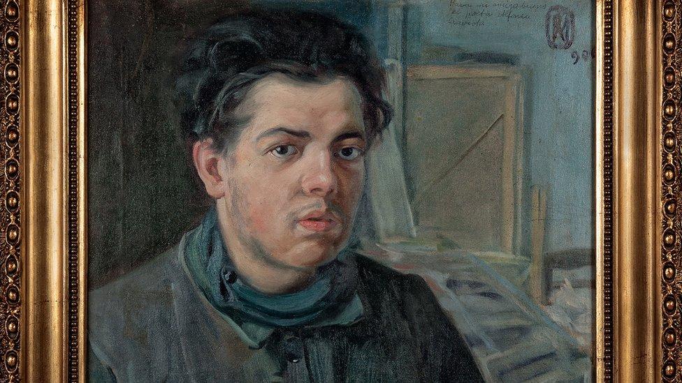 """Diego Rivera nació en Guanajato, México, en 1886. El hecho de ser unos años más joven que Pablo Picasso, que nació en Málaga, España, en 1881 hizo que se diera por hecho que el español era el mentor y el mexicano el alumno. Pero como se ve en esta exhibición, la realidad fue más compleja. (Obra: """"Autorretrato"""", óleo sobre lienzo, Diego Rivera, 1906)."""