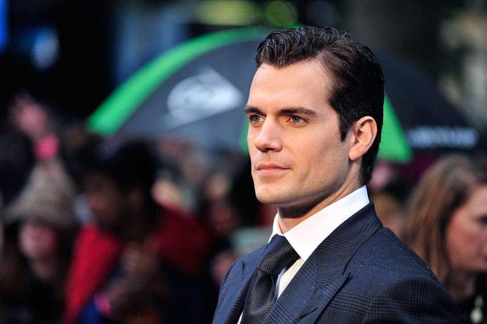 """El actor confesó en una entrevista que sufrió de sobrepeso severo cuando era niño. Sus compañeros lo llamaban """"El Gordo Cavill""""."""