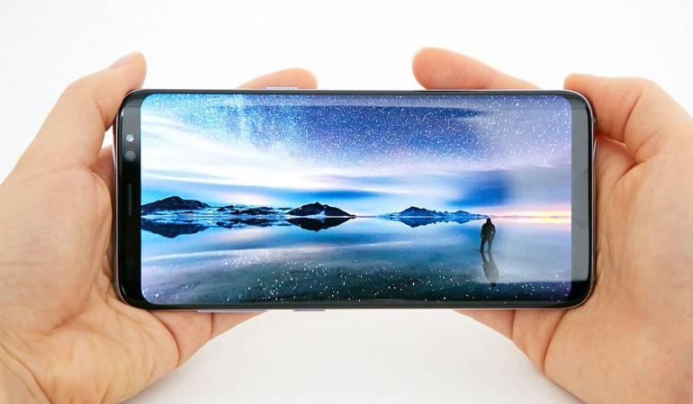 6bbddf112b9 El nuevo celular de Samsung es analizado por expertos en Caracol Radio  Galaxy S8: Probamos