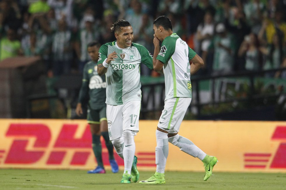 Dayro Moreno celebra su primer gol a los dos minutos.