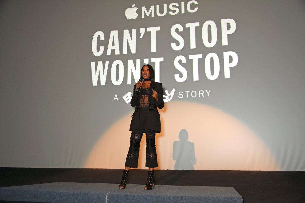 Naomi declaró que a pesar de no tener padre, su infancia fue feliz y siempre supo que quería ser un artista.