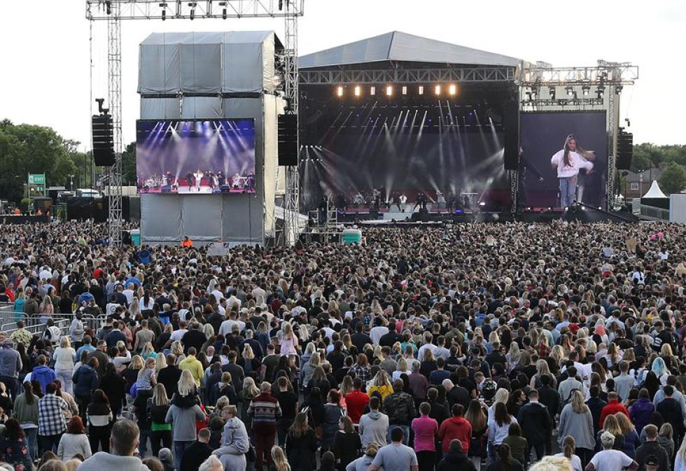 El concierto estuvo muy marcado, también, por los sentimientos aún a flor de piel por el reciente atentado ocurrido en la noche del sábado en Londres.