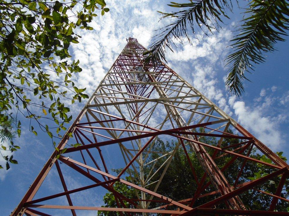 Finalmente, las torres se entregan para servirle a las poblaciones con más dificultades de acceso a internet y sus beneficios.