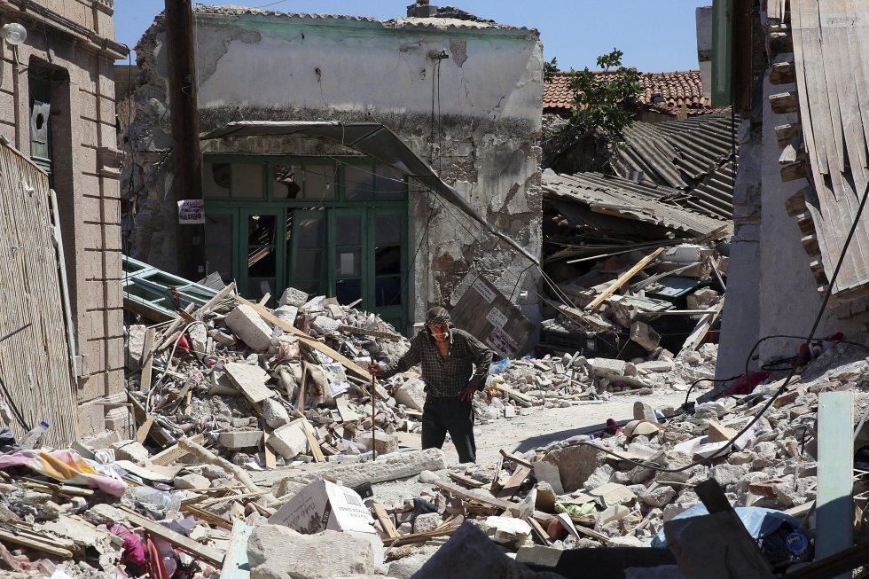 El viceministro de Marina Mercante y de Política Insular, Nektarios Santoriniós, anunció una ayuda inmediata de 3.000 a 4.000 euros para los afectados.