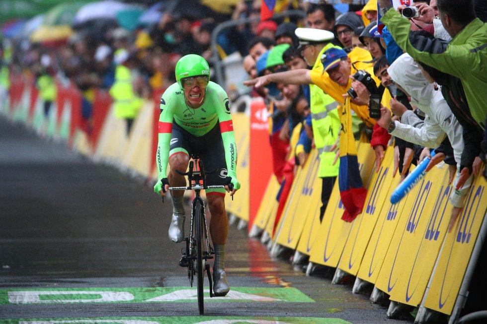 """El ciclista expresó que """"cuando me dijeron que había ganado, yo pensé que me estaban vacilando. Es algo impresionante que me da mucha felicidad, ganar una etapa como la de hoy tan complicada""""."""