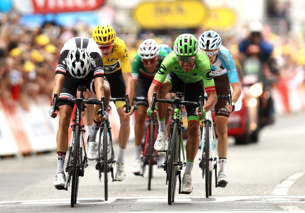 Los tres premios de montaña de primera categoría y sus respectivos descensos le pasaron factura a muchos favoritos, contando con el abandono de Richie Porte y Geraint Thomas, y de un Nairo Quintana y un Alberto Contador que perdieron tiempo considerable en la clasificación general.