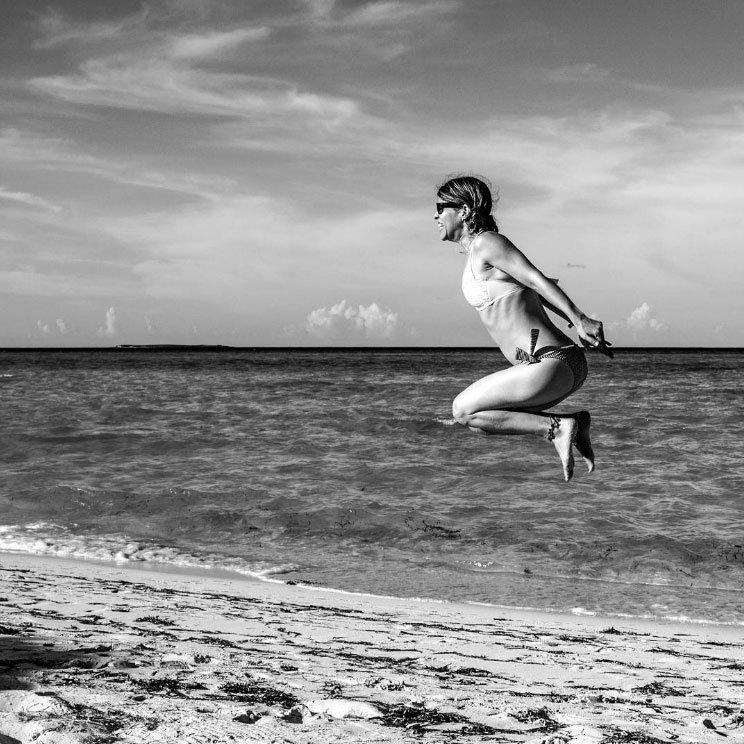 """Ernesto Rodríguez nos envió esta imagen que tomó durante unas vacaciones en Cayo Guillermo, en el archipiélago cubano al norte de la Isla. """"El objeto principal es mi mujer y las increíbles playas"""", nos cuenta."""
