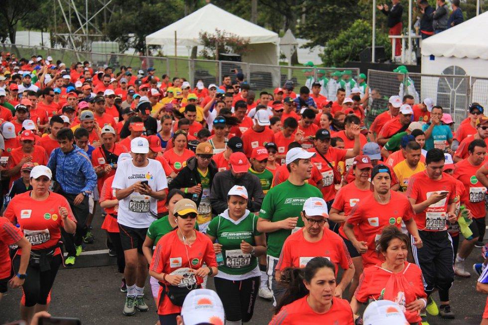 Aproximadamente 44 mil personas participaron en la carrera.