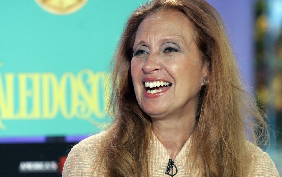 La escritora publicó 6 libros y se adjudicó 11 millones de dólares en ingresos.