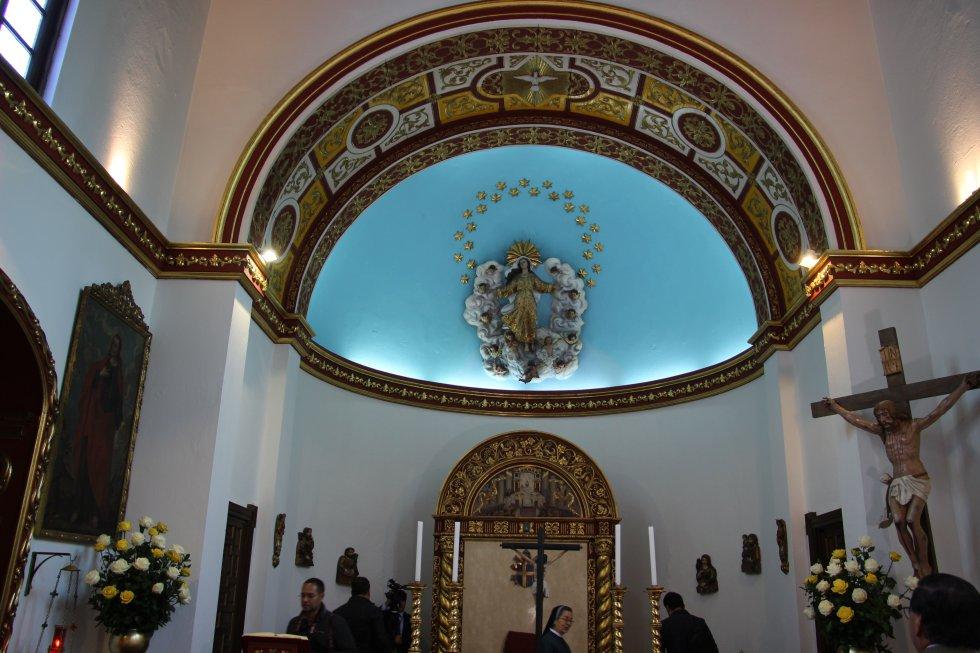 Vista general de la capilla de la Nunciatura Apostólica de Colombia.