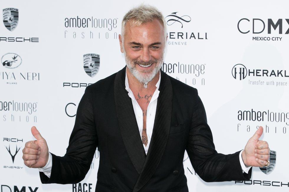 Ahora se dice que el millonario le está coqueteando a la presentadora mexicana Galilea Montijo, porque él le ha dado me gusta a varias de sus publicaciones.