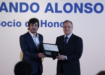 Fernando Alonso es nuevo Socio de Honor del Real Madrid