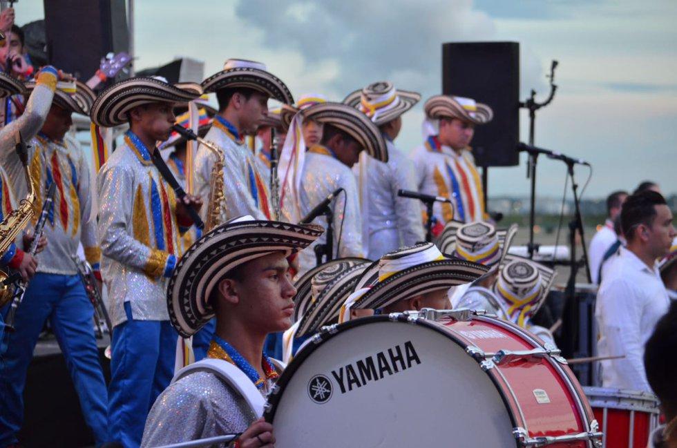 La música de la costa atlántica se hizo presente en la ceremonia de despedida del sumo pontífice.