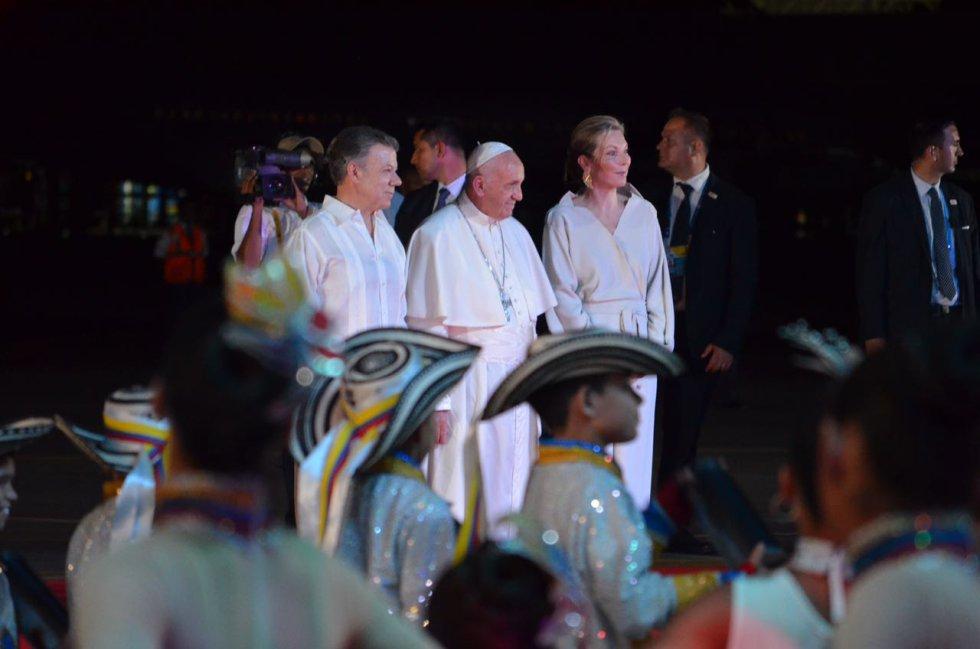 La ceremonia de despedida estuvo presidida por el presidente Juan Manuel Santos y su esposa, María Clemencia Rodríguez.