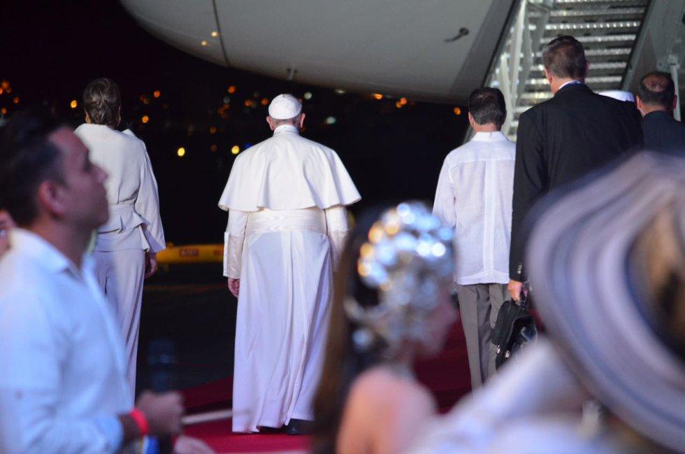 Después de su visita a Bogotá, Cartagena, Medellín y Villavicencio, el papa dijo adiós.