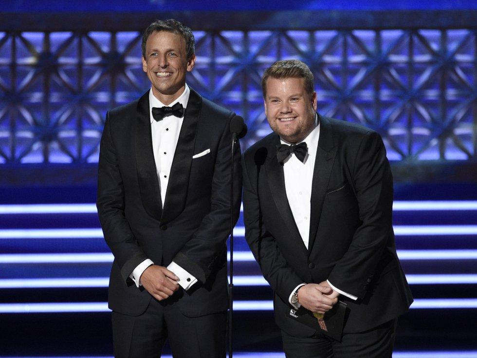 Seth Meyers, a la izquierda, y James Corden presentan el premio al mejor actor de reparto