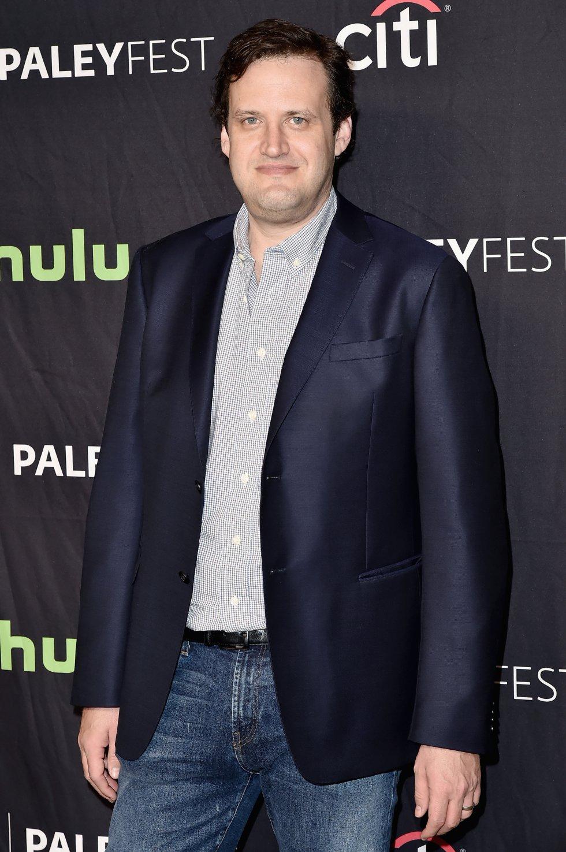 El productor ejecutivo de producciones como 'Supergirl', 'The Flash', 'Arrow' y 'DC Legends of Tomorrow', fue denunciado por 15 mujeres y cuatro hombres por acoso sexual, según 'Variety'.