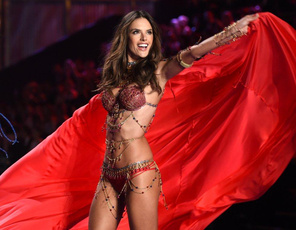 [Top 10] Alessandra Ambrosio, recordando su paso por Victoria's Secret