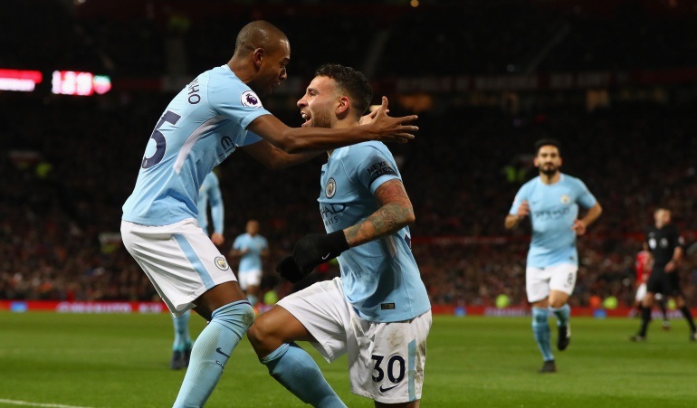 Manchester United Manchester City prermier league: El City se toma Old Trafford y se aleja a once puntos del Manchester United