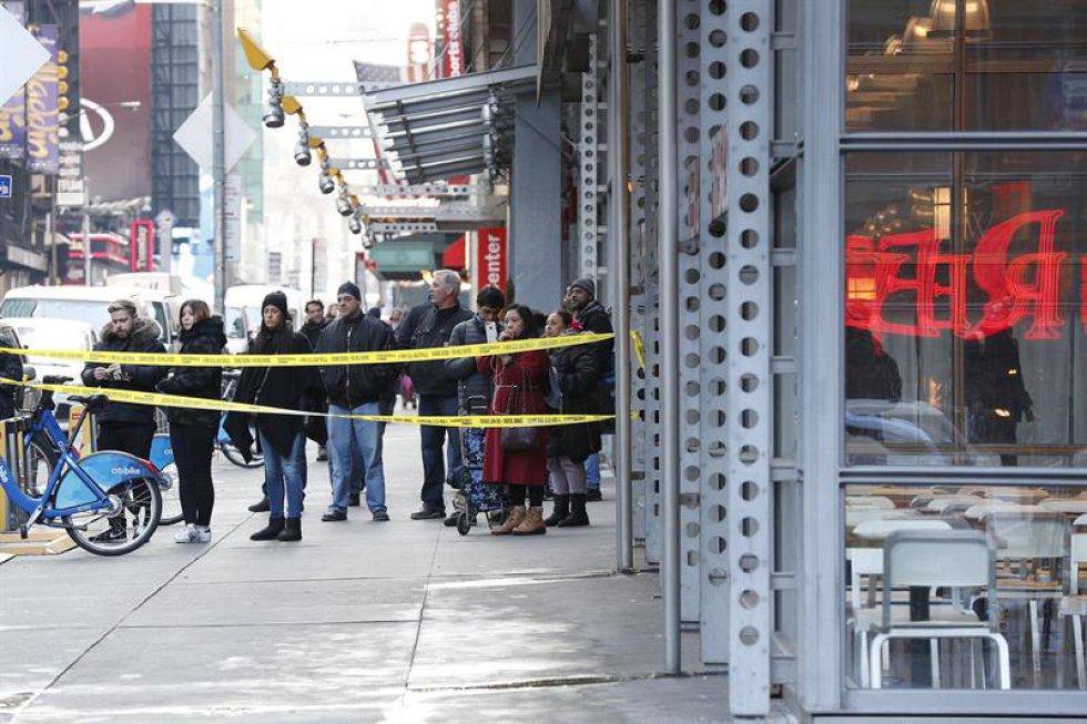El gobernador de Nueva York, Andrew Cuomo, el alcalde, Bill de Blasio y oficiales hicieron un balance de la explosión registrada cerca de la estación de Port Authority en Manhattan