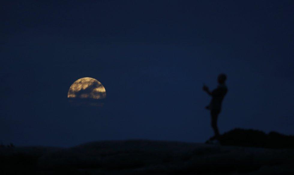 Durante la totalidad, la luna entera se encuentra dentro del cono de sombra