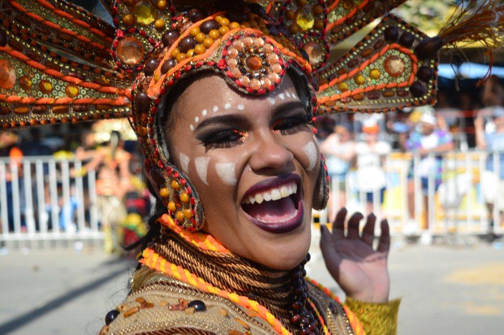 El Cumbiodromo como se le conoce, por tercer día consecutivo es escenario de disfraces, grupos folclóricos, música y mucho colorido.