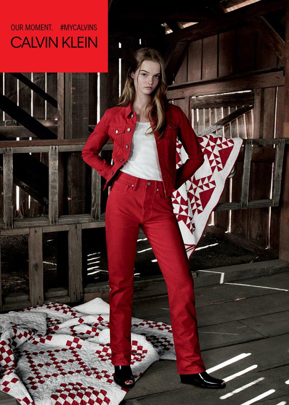 Calvin Klein Jeans anunció una nueva entrega de su campaña global, la cual es protagonizada por Millie Bobby Brown, Paris Jackson y la modelo Lulu Tenney.